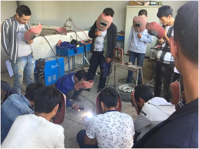 精准扶贫农民工焊接技术培训