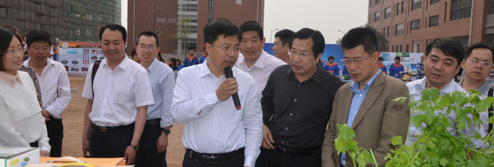 教育部职成司副司长王扬南来迁安职中考察