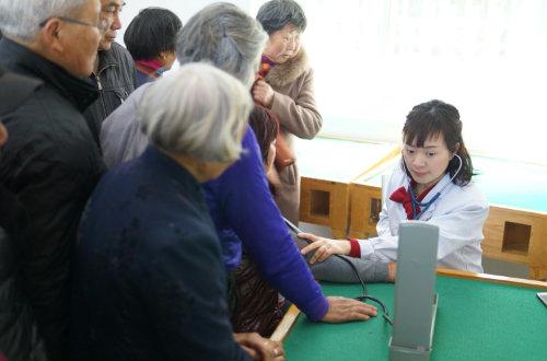 孝源学习中心开展老年健康教育活动