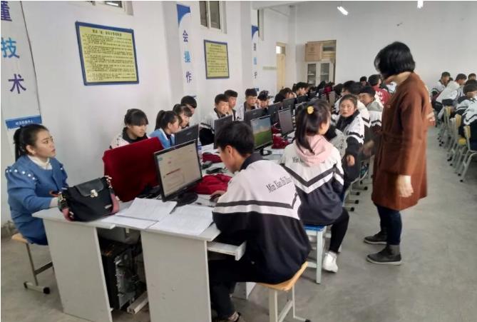 东西部扶贫协作岷县-鼓楼2018年第一季度岷县职专学生强化培训班在岷县职专进行