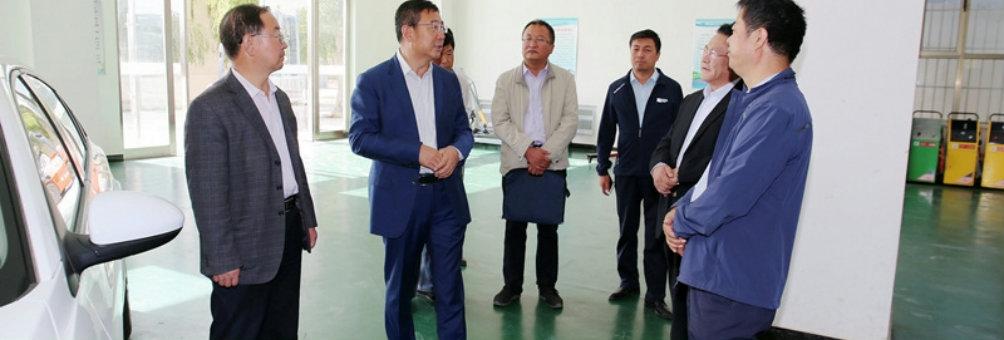 冯军调研职业教育和职业培训工作