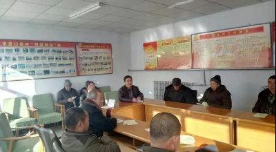 宣化区林业局技术服务站到崞村镇里口泉村进行杏扁技术培训