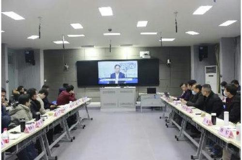 建设中国特色学徒制我们在行动 ——江苏省职业院校现代学徒制标准研制研讨会在省太中专顺利举行